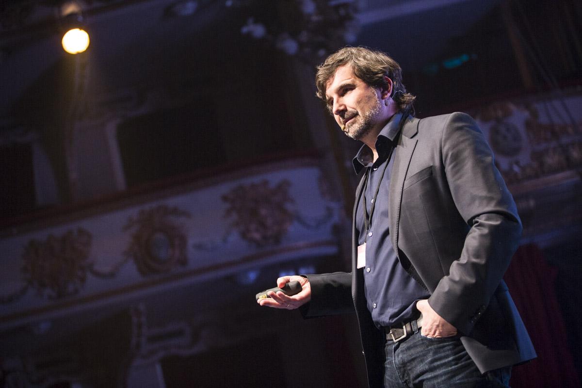 Nacho-Pinedo-fundador-y-CEO-de-ISDI